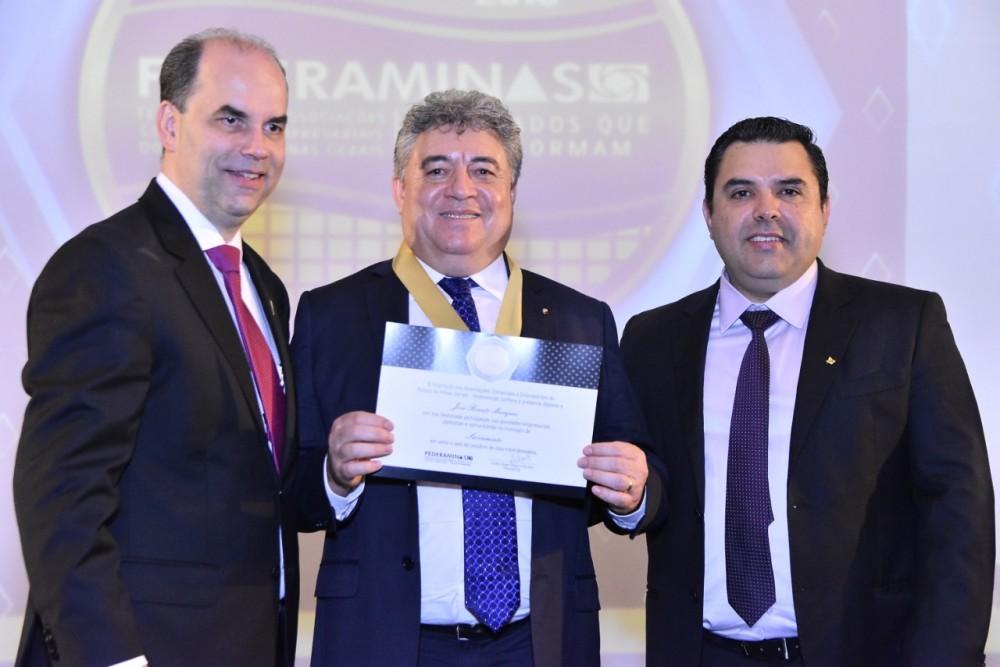 Da esq para dir presidente da Federaminas Emílio Parolini, empresário José Renato Marques e diretor ACE CDL Pierre Patrick de Melo Pacheco